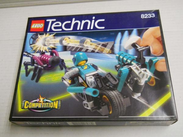 8233 - Blue Thunder Vs. The Stinger