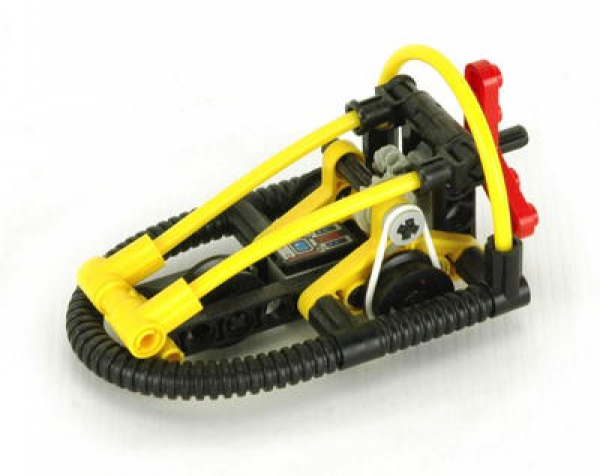 8246 - Hydro Racer