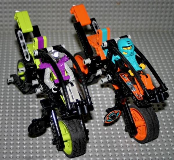 8305 - Duel Bikes