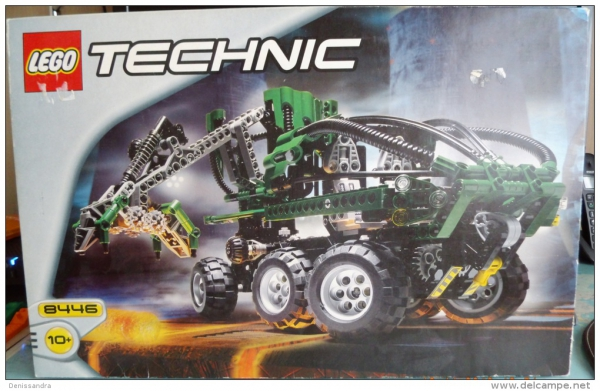 8446 - Crane Truck