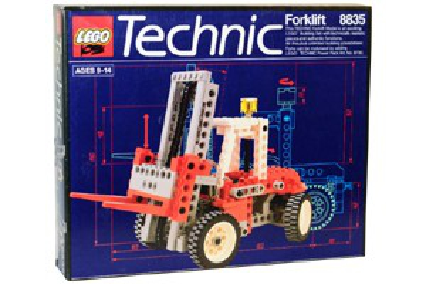 8835 - Forklift