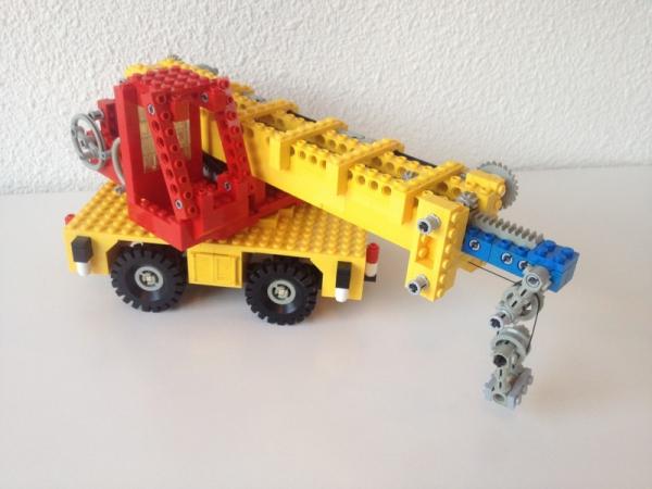 855 Mobile Crane